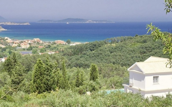 villa for sale at corfu greece 01