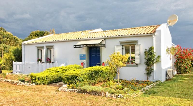villas Corfu Greece Kassiopi 02