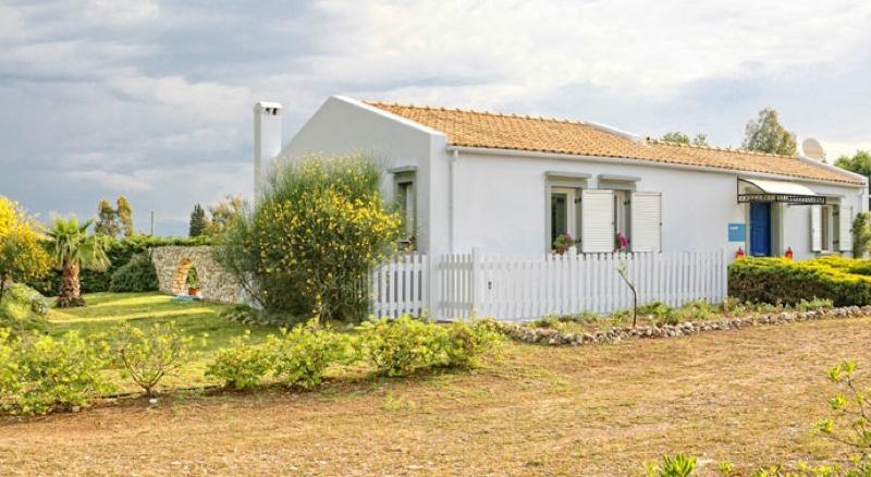 villas Corfu Greece Kassiopi 03