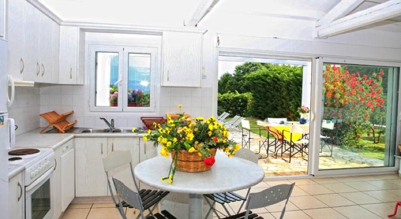 villas Corfu Greece Kassiopi 08