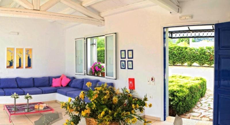 villas Corfu Greece Kassiopi 09