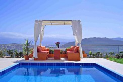 Homes for Sale with Sea View