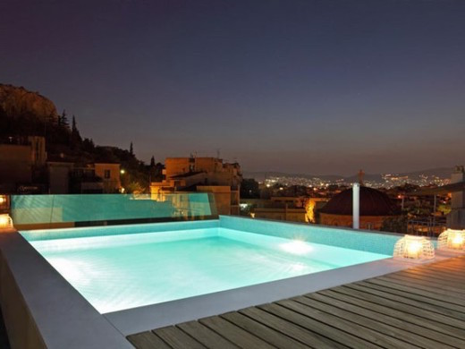 Maisonette with Roof Top Pool, Filopappou Hill Athens