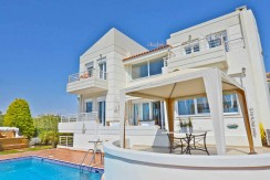 Villa on the sea front at Lagonisi South Attica, Close to Grant Resort Lagosini. Seafront Villa in Athens Greece, Beachfront Property in Athens for sale.