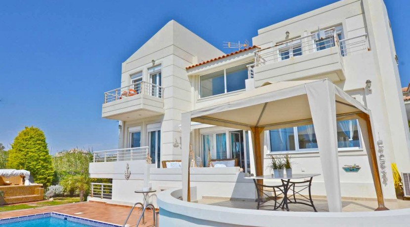 Seafront Villa LAgonisi 21