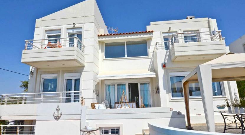Seafront Villa LAgonisi 22