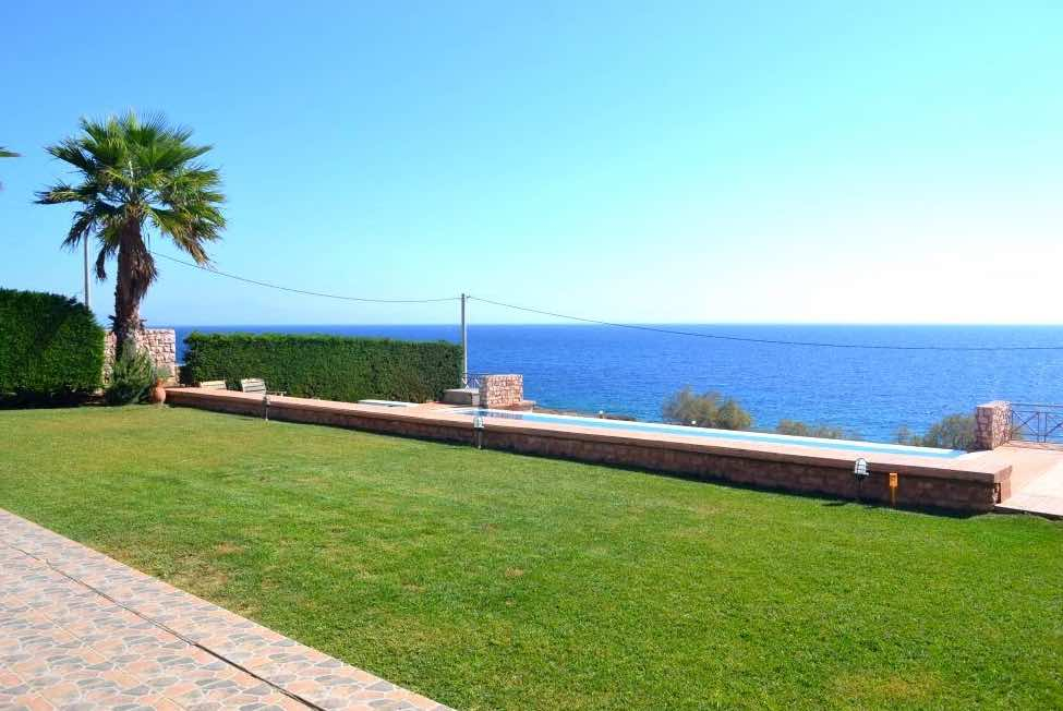 Villa For Sale at South East Attica (Kakia Thalassa) only 50 m from the sea
