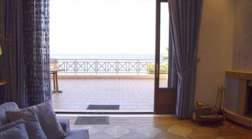 Villa For Sale South Attica 31
