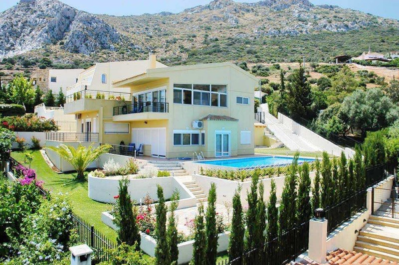 House with pool and Sea Views at Sounio , South Attica