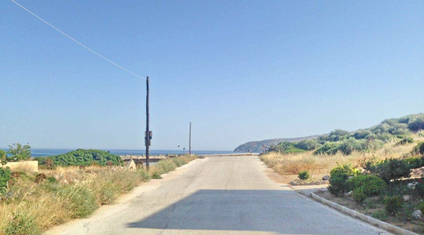 Luxury houses close to Sounio 01