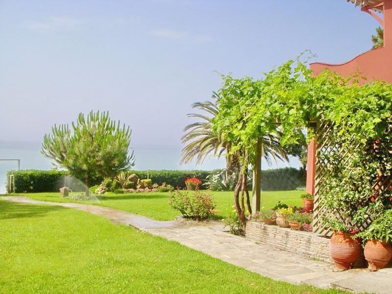 Rent Seafront Villa Halkidiki Hanioti Kassandra