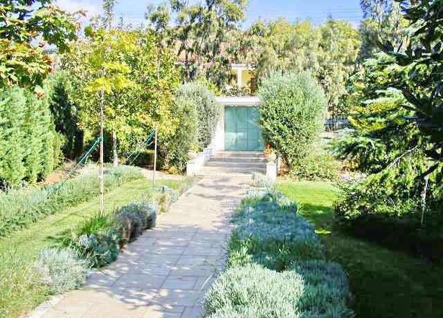 Villa Close to Lagonisi 5