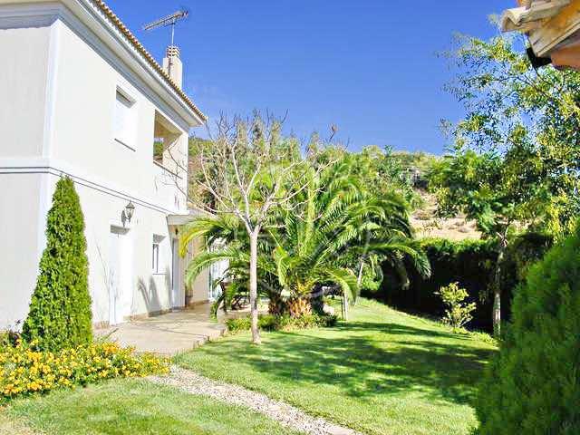 Villa Close to Lagonisi Attica