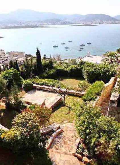 Villa in a famous complex  at Porto Rafti Attica For Rent