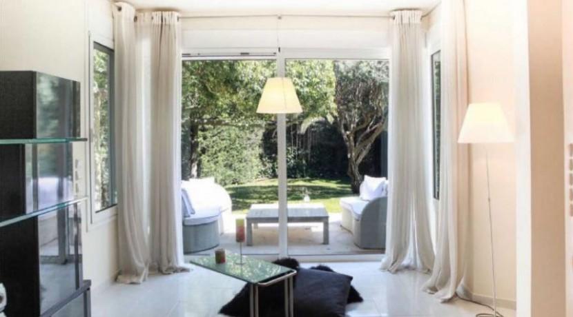 Sea front villa at Lagonisi Attica, Distance from beach: 50m. Seafront Villas in Athens, Coastal Villas in Attica for sale, Luxury Estate Athens