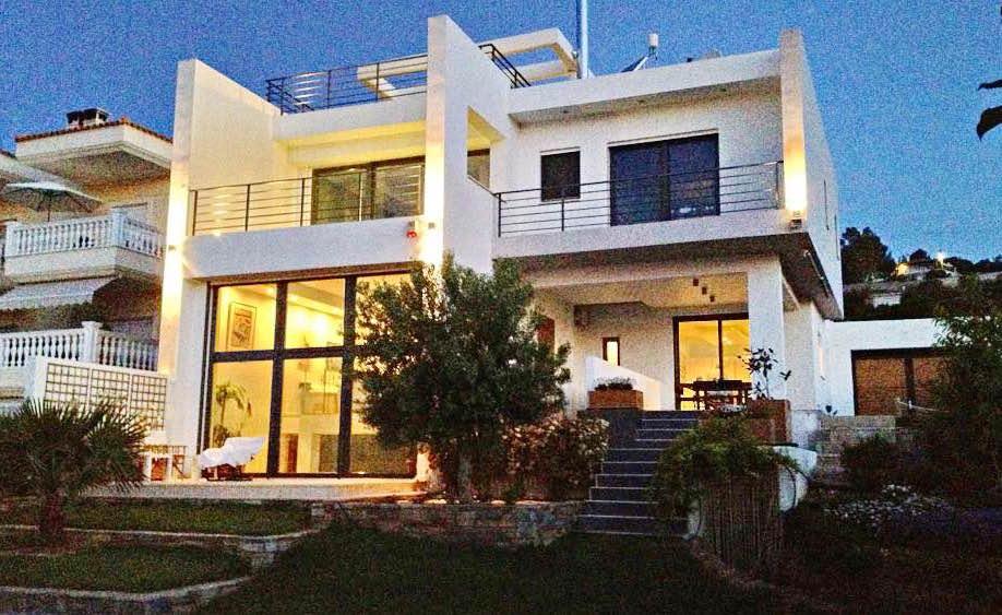 Villa in Lagonisi