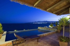 2-Luxury-Villa-with-Private-Pool-and-Jacuzzi-2_resize