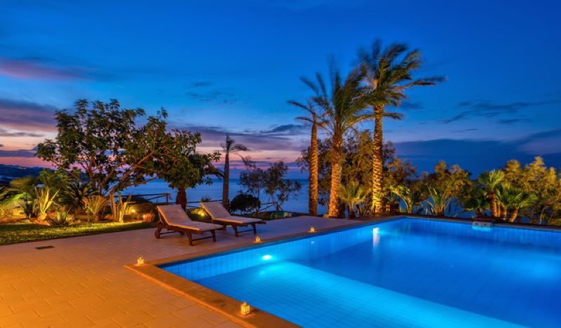 Beachfront Villa in Crete with Pool