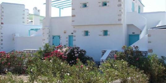 Villa 153 m² For Sale in Cyclades, Paros