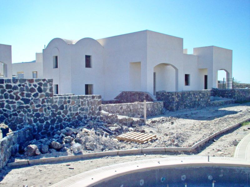 Complex of 18 Unfinished Houses in Santorini