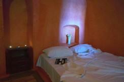 rent Santorini 3