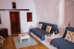 rent Santorini 4