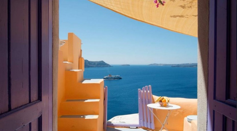 rent Santorini 5