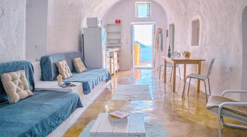 rent Santorini 7