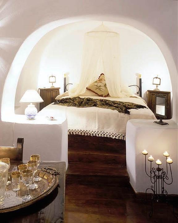 Cave Apartment In Hotel Santorini Finikia FOR SALE