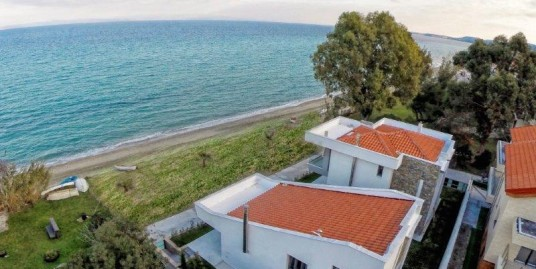 Villa just in front of the Sea, Polychrono Halkidiki