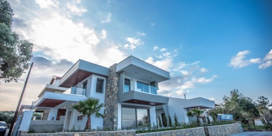 Seafront Villa at Kassandra Chalkidiki