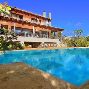 Villa in Coast Athens, Lagonissi FOR SALE. A Big villa for Sale at one of the most famous areas of Attica. Athens Villas for Sale, Luxury Estates Athens