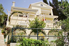 seafront villa corfu greece 4