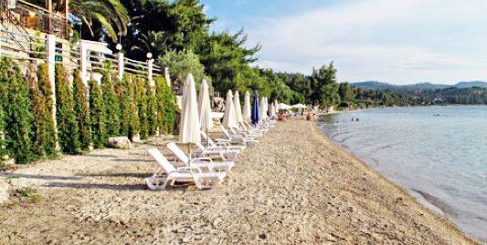 Seafront Hotel of 20 Apartments at Neos Marmaras Sithonia Halkidiki