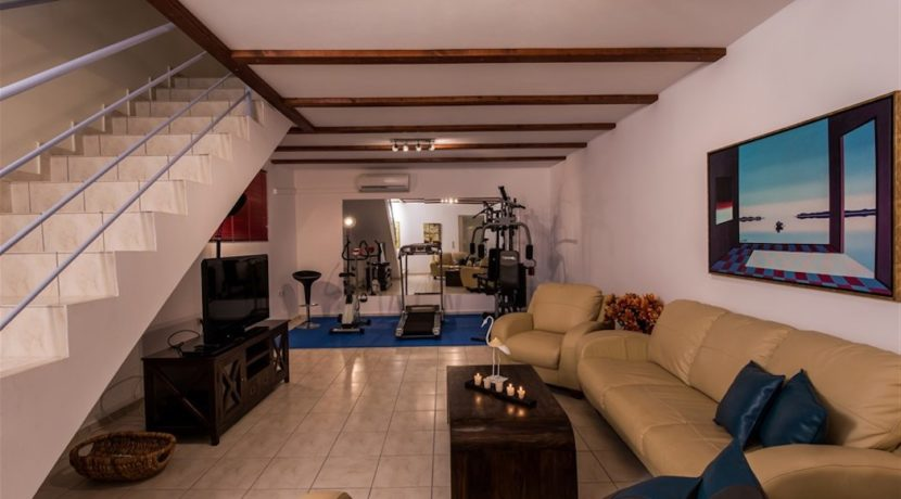 House with Pool for Sale at Chania 4