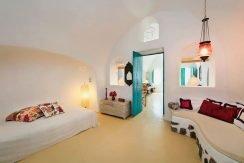 Oia for Sale Santorini 3