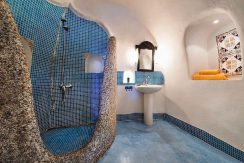 Oia for Sale Santorini 4