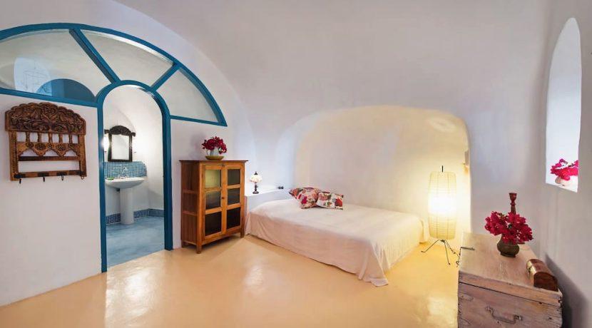 Oia for Sale Santorini 7