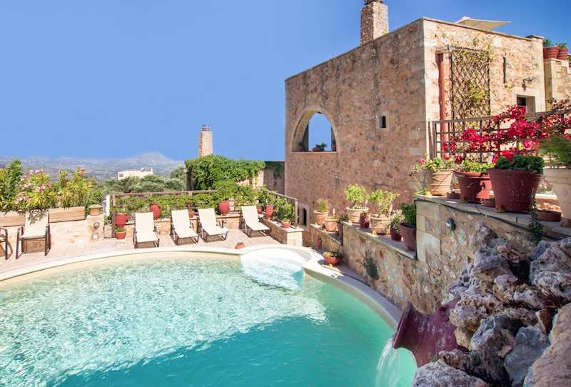 5 Houses Hotel for Rent in Crete