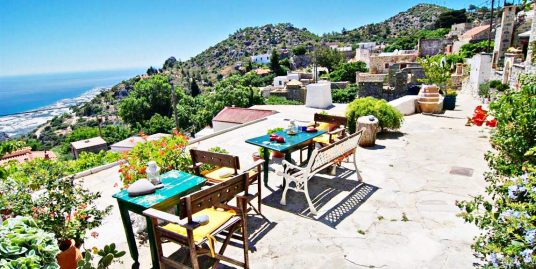 Complex of 5 Villas Hotel in Crete
