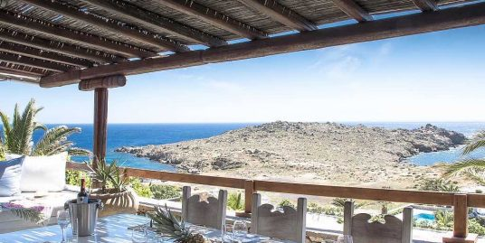 Greece Mykonos, Villa of 250 sq.m just 150 meters from the sea