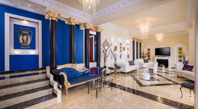 Luxurious ,Ancient Greek Style Villa in Crete 1