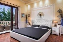 Luxurious ,Ancient Greek Style Villa in Crete 14
