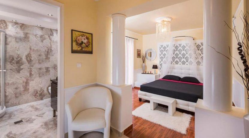 Luxurious ,Ancient Greek Style Villa in Crete 21