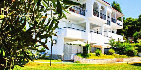 Hotel at Nikiti Halkidiki For Sale with 14 Rooms – 90m from the sea