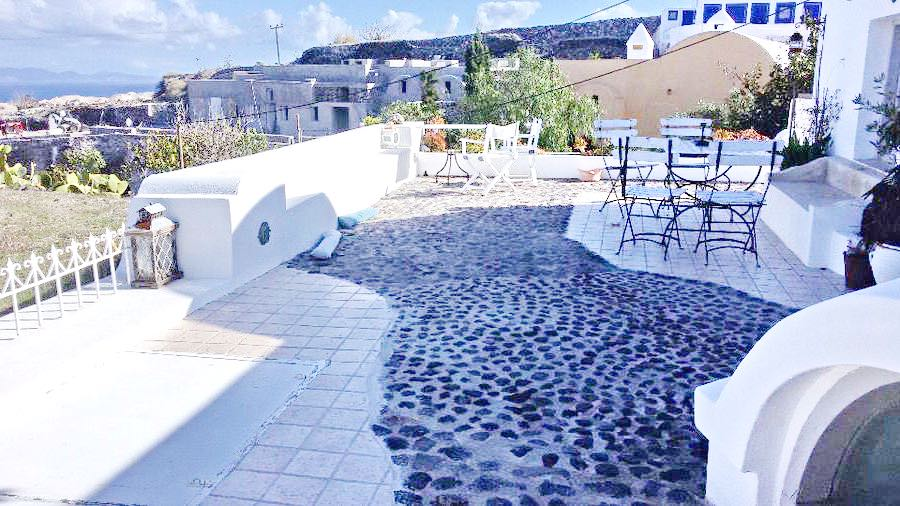 2 Houses At Santorini Oia Finikia Area For Sale