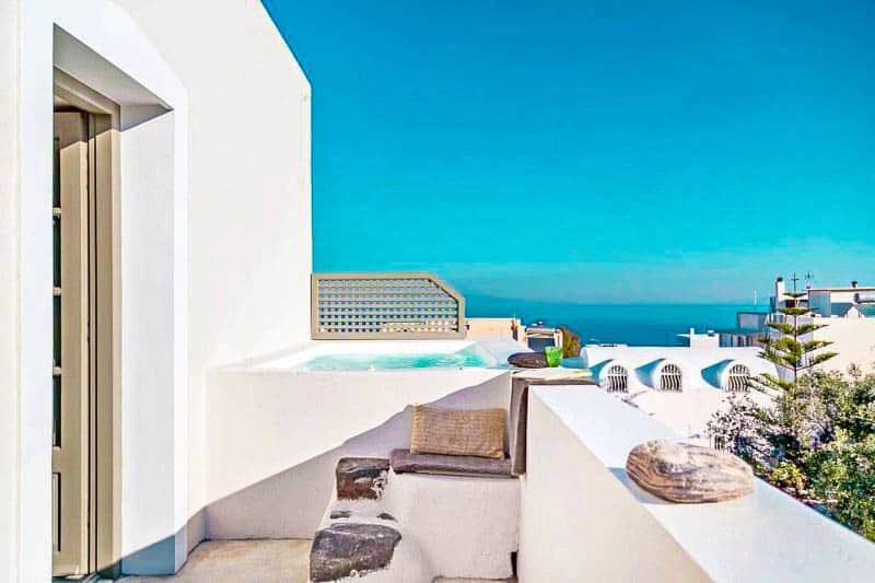 Luxury House for Sale Santorini with Jacuzzi Oia Santorini