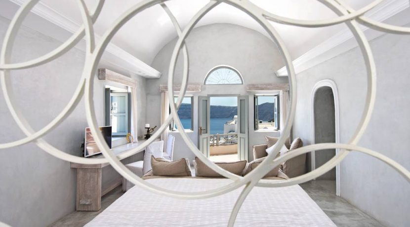 Oia for Sale 1