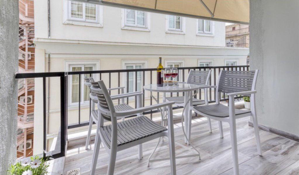 Renovated Apartment Athens, Metaxourgeio, Apartment for GOLD VISA in Athens 5
