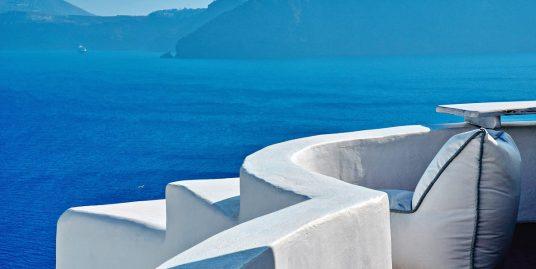 Luxury Boutique Hotel at Caldera of Oia Santorini for Sale  – 11 Cave Suites